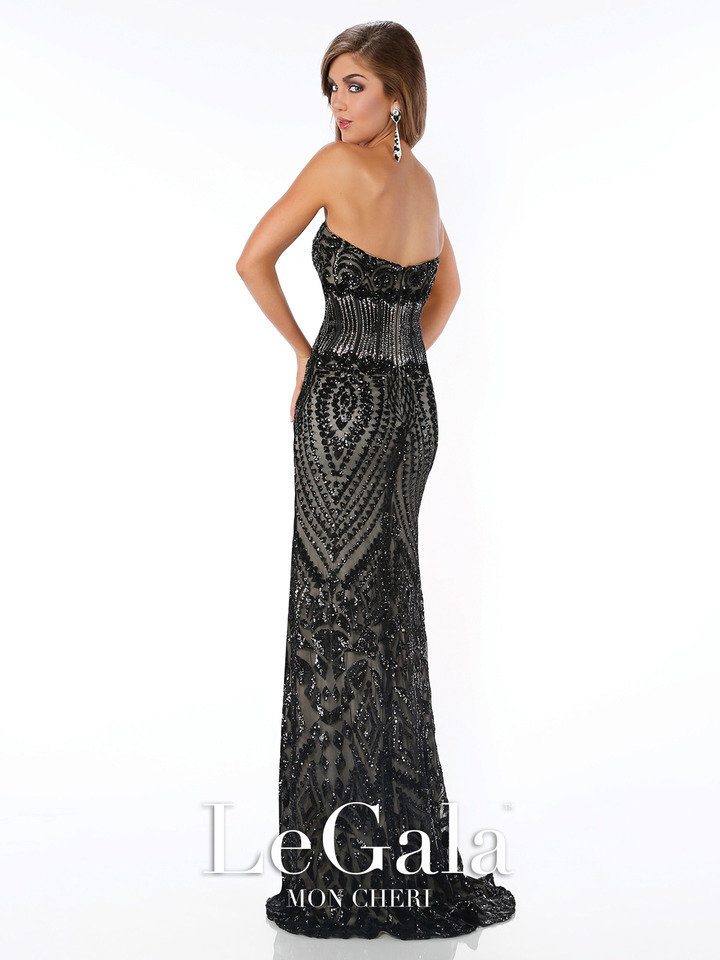 black, mermaid style gown, strapless, sweetheart  neckline